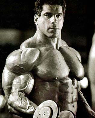 Lou Ferrigno in training